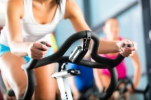 9 วิธีออกกำลังกายแบบคาร์ดิโอ ทำได้ง่ายแม้อยุ่บ้าน!