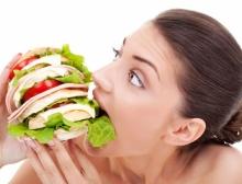 หิวบ่อย มาจากสาเหตุอะไร? รู้ไว้จะได้ไม่อ้วน